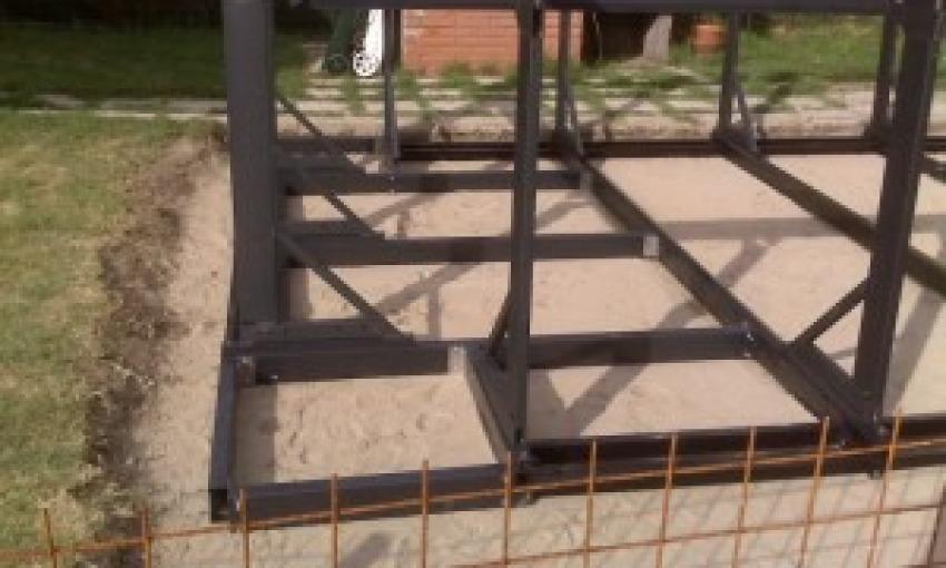 Come costruire una piscina fuoriterra senza permessi