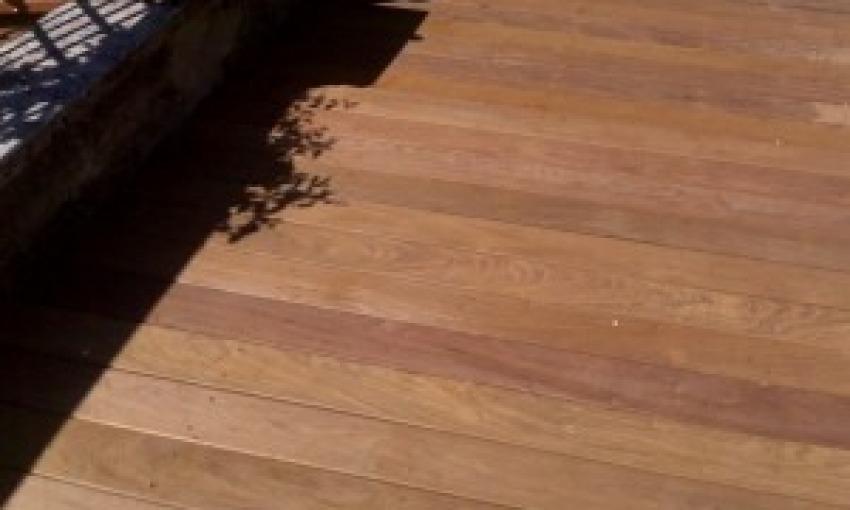 Pavimentazioni in legno per piscine
