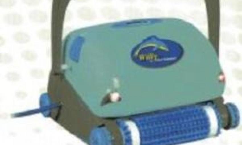 Robot pulitore per pulire fondo e pareti della piscina