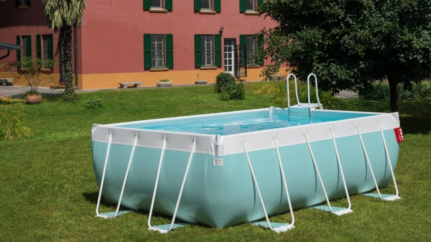piscina laghetto POP! azzurra in giardino