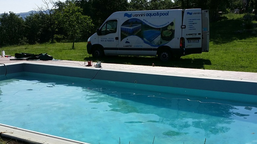 realizzazione piscina in giardino