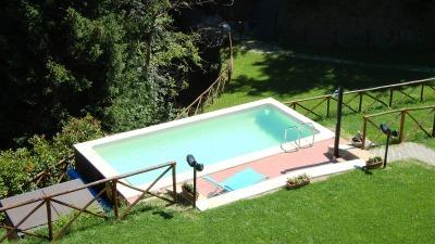 piscina vista dall\